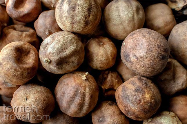 Dried lime for Ghormeh Sabzi   Termeh Travel