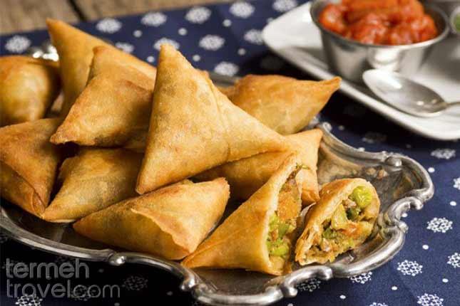 Sambuseh-Persian Foods-Termeh Travel