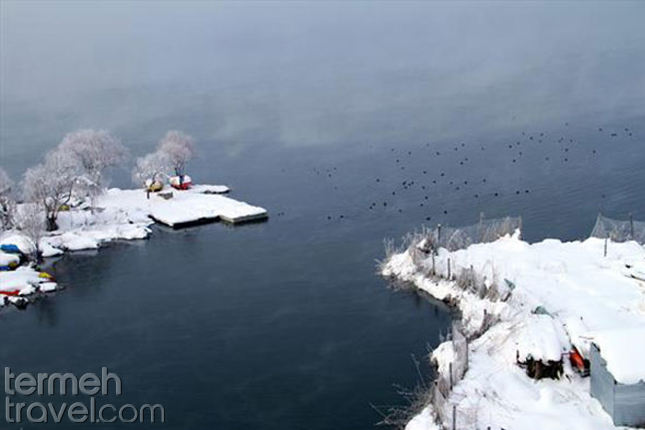 Zarivar Lake in winter-Termeh Travel