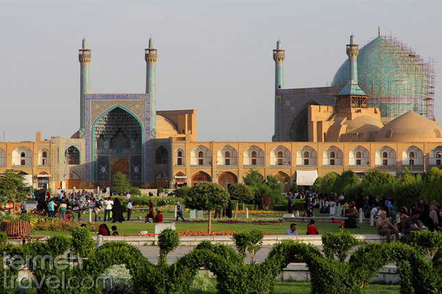 What Is the Best Time to Travel to Iran? 1