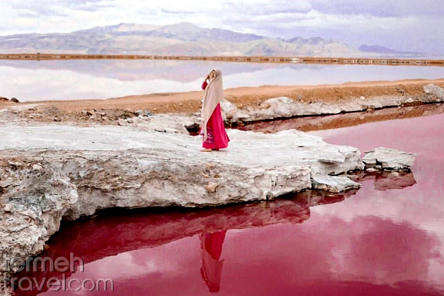 Maharloo Lake in Shiraz- Termeh Travel