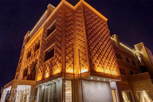 Zandiyeh Hotel in Shiraz- Termeh Travel