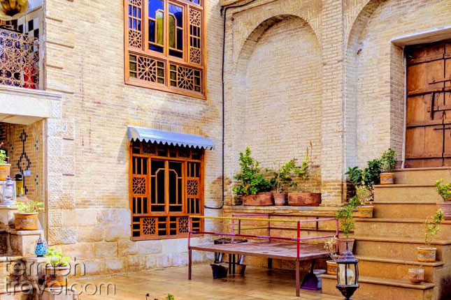 Sirah Hostel in Shiraz- Termeh Travel