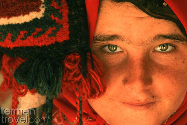 A nomad girl-Nomads of Iran- Termeh Travel