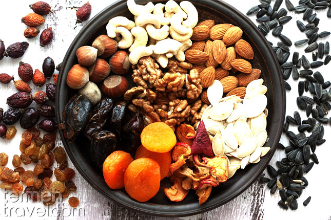 Dried fruit and nuts- Termeh Travel