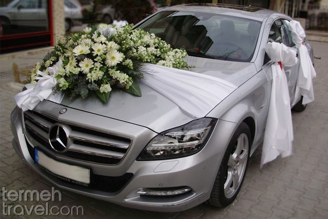 Decorating car with flowers in Iran- Termeh Travel