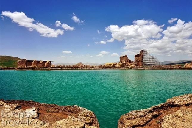 Takht-e Soleyman, the lake- Termeh Travel
