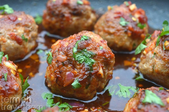 MAking meatballs for Loobia Polo- Termeh Travel