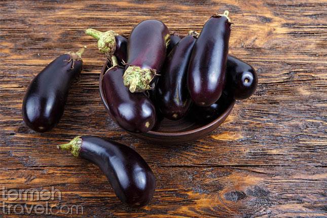 Eggplant for Tahchin- Termeh Travel