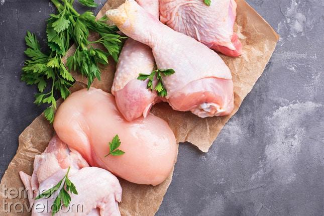Chicken for Zereshk Polo- Termeh Travel