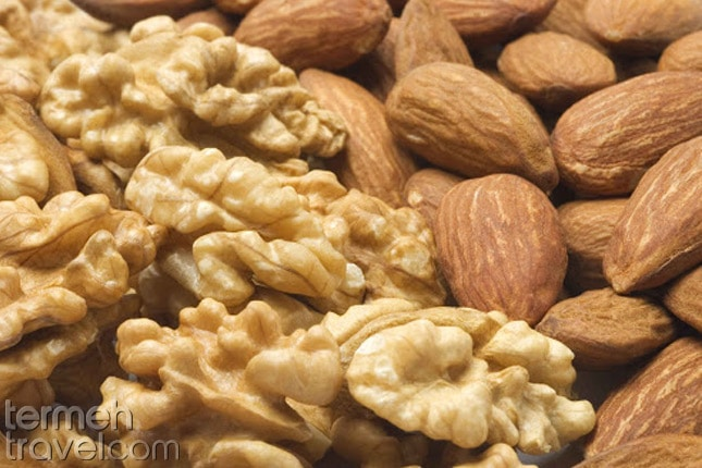 Almond and walnuts for Qottab- Termeh Travel