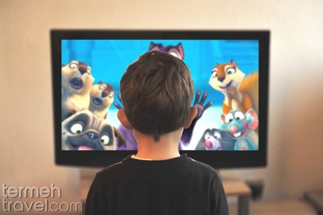 Kid watching TV, Farsi learning for kids- Termeh Travel