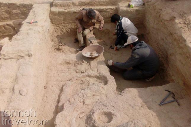Archaeologists excavating Shahr-e Sukhteh- Termeh Travel