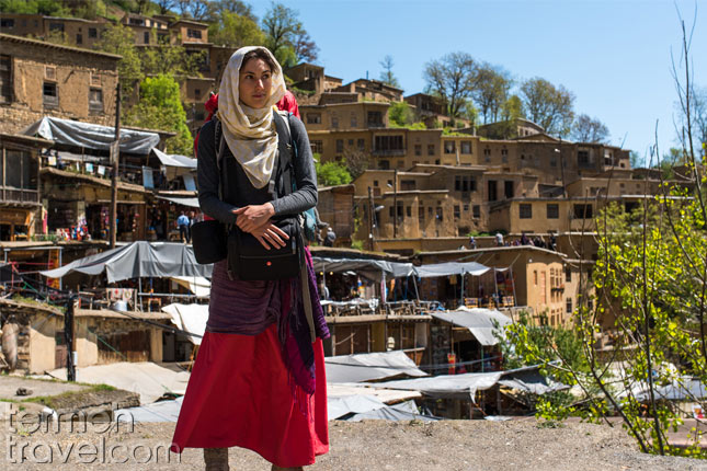 A female tourist in the north of Iran- Termeh Travel