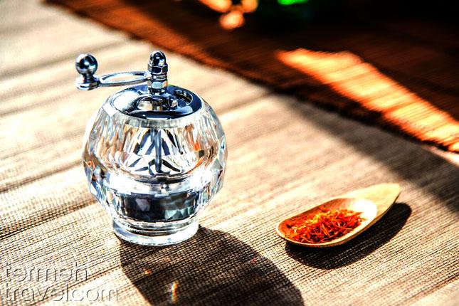 Persian cooking utilities- Saffron grinder- Termeh Travel